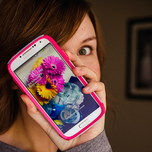 Samsung Galaxy S4 with pink and grey OtterBox