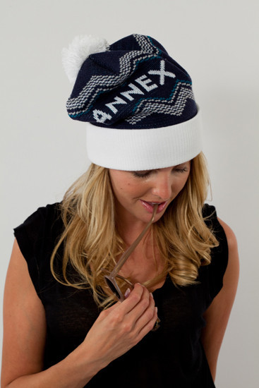 Annex toque Toronto themed