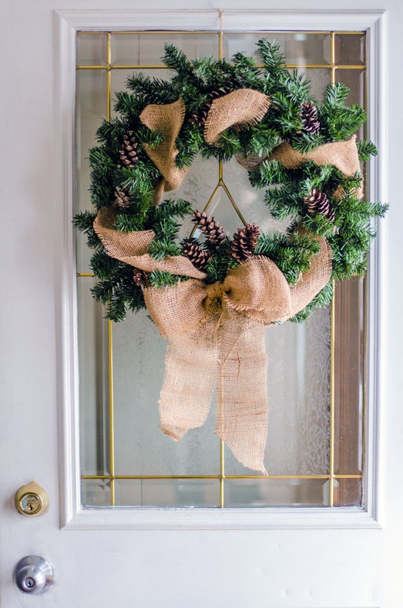 burlap bow Christmas wreath DIY