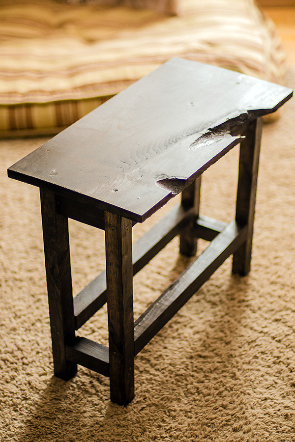 DIY rustic end table for less than $10! | Commatose.ca