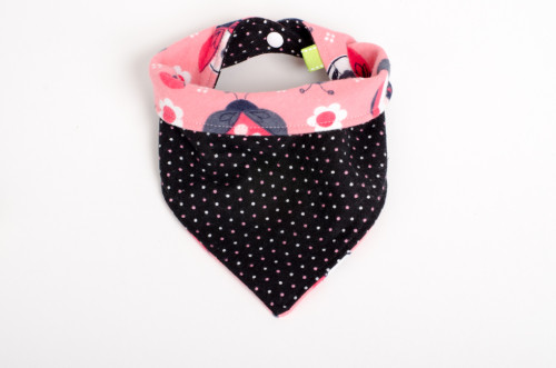 Reversible bandana bib in pink and black